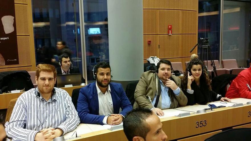 Cuatro jóvenes de Nuevas Generaciones que ocuparon el lugar de otros tantos deportistas en Bruselas.