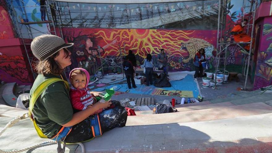 Artistas Latinoamericanos Embellecen La Paz Con Murales Gigantes