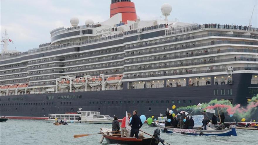 Los venecianos refuerzan su batalla contra el transito de grandes cruceros