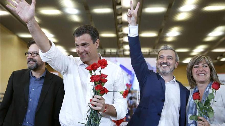 Rajoy y Sánchez coinciden en Sevilla en la recta final de la campaña