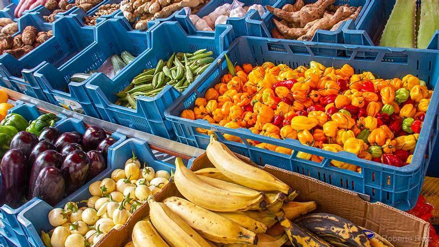 Los comercios de Matongé, en Bruselas, ofrecen productos típicos africanos.