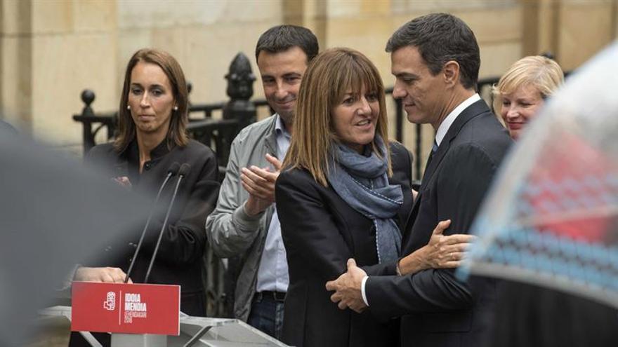 Sánchez se compromete a aumentar el autogobierno vasco en una España federal