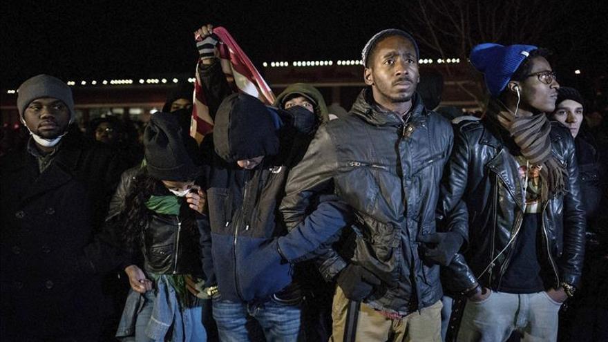 Al menos 45 detenidos en la segunda noche de protestas en Ferguson