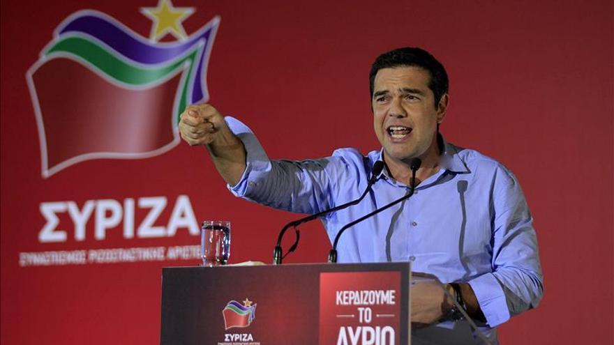 """Tsipras promete """"liberar"""" a Grecia de austeridad y aplicar políticas sociales"""
