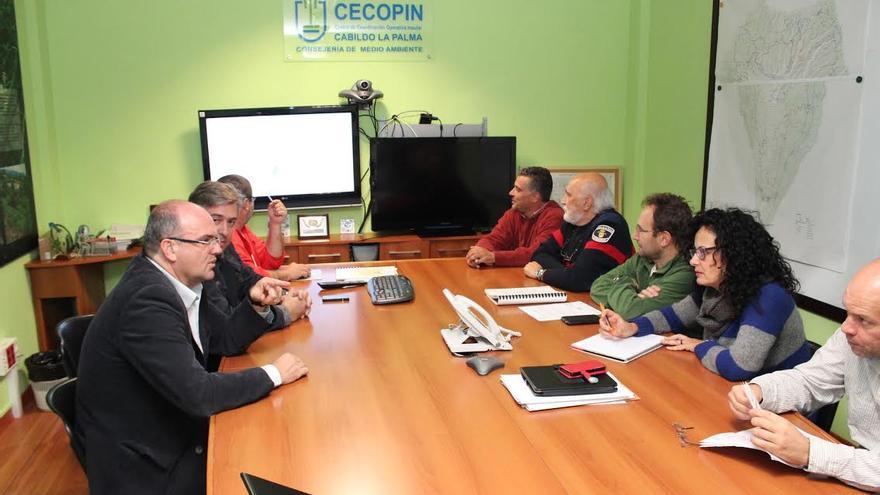 En la imagen, reunión del Comité Insular de Emergencias, presidido por Anselmo Pestana.