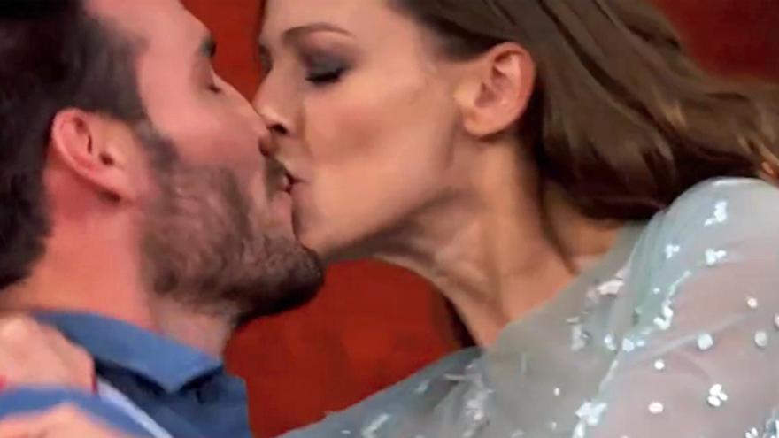 Locura de besos frente a la bronca de Bibiana y Anabel Alonso en MasterChef Celebrity