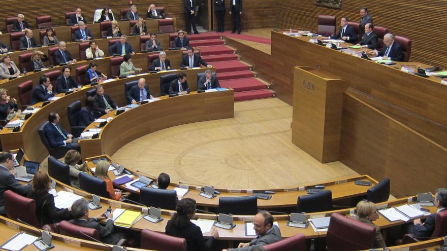 La oposición preguntará a Fabra en las Corts por el cierre de la sociedad