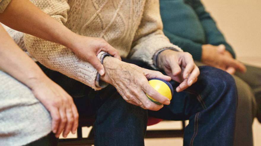 La artritis es una de las principales enfermedades con dolor crónico entre los mayores