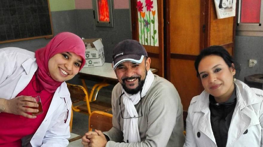 Zouhair Lahna con parte de su equipo en un reciente viaje a Imlil, en el Atlas marroquí, el pasado 13 de febrero. | Imagen cedida