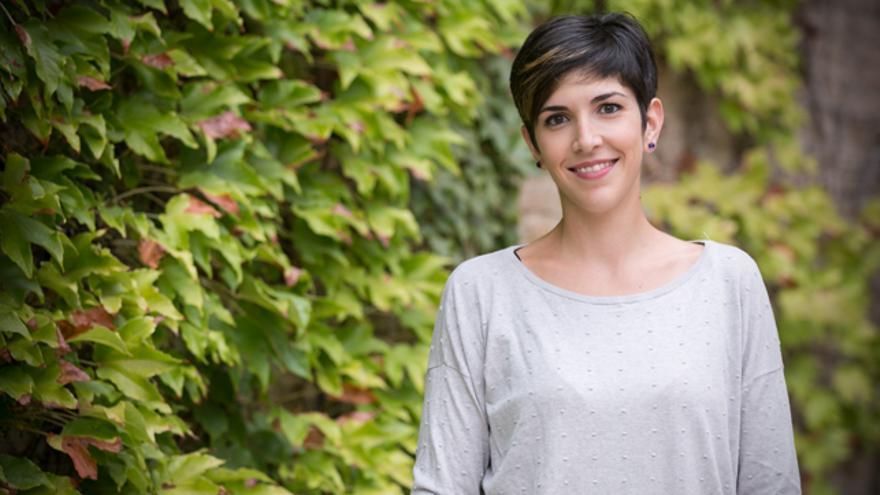Violeta Barba, en el patio de las Cortes de Aragón.
