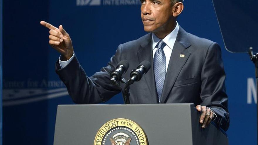 Obama llama al gobernador de California para conocer estado de los incendios
