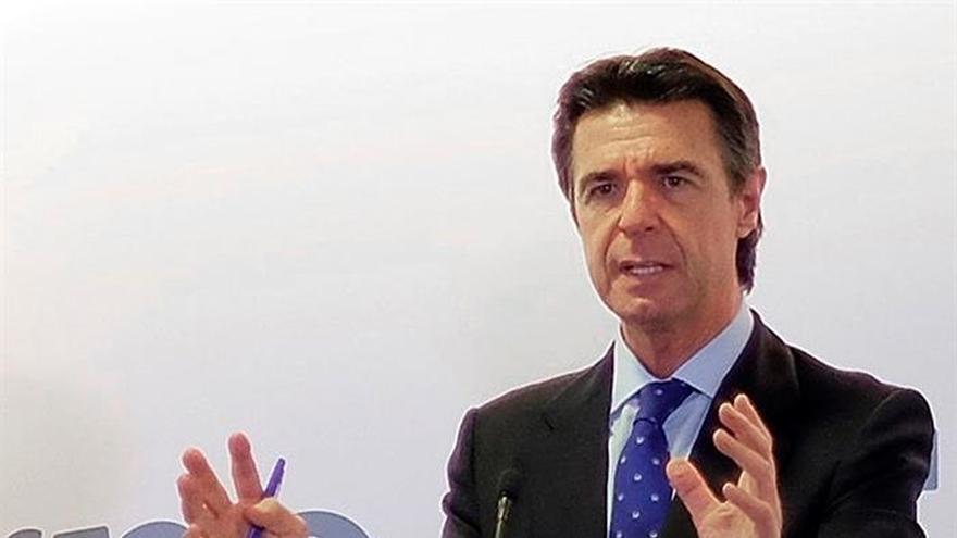 Soria dice que el bajo precio del crudo puede afectar a las empresas españolas