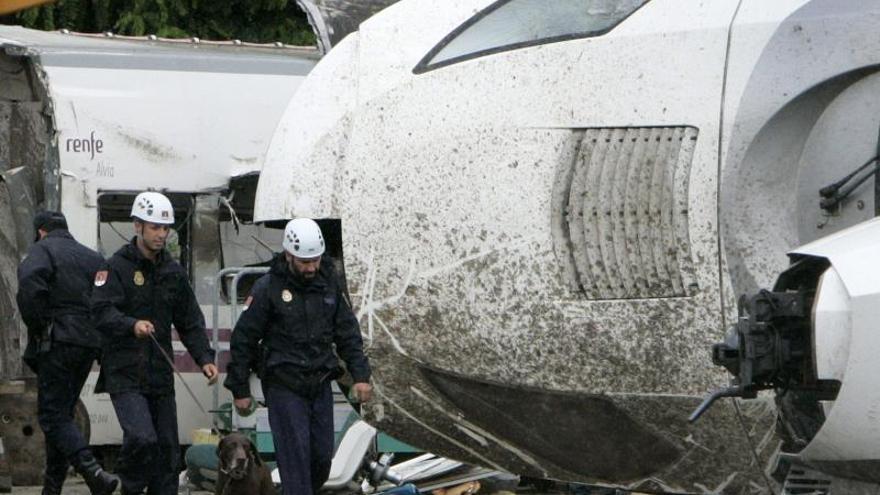 Víctimas de la tragedia del Alvia exigen depurar responsabilidades políticas