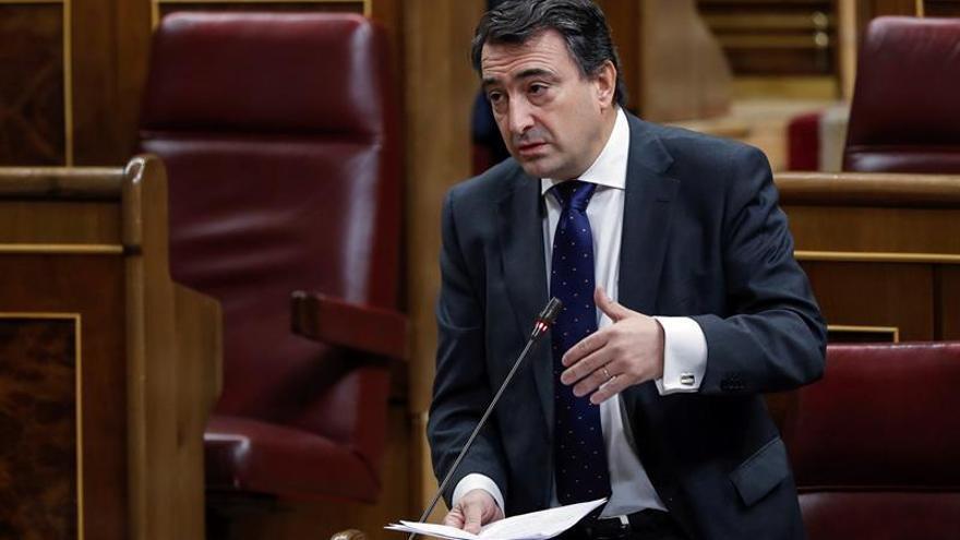 Nacionalistas vascos y catalanes no participarán en el Día de Constitución