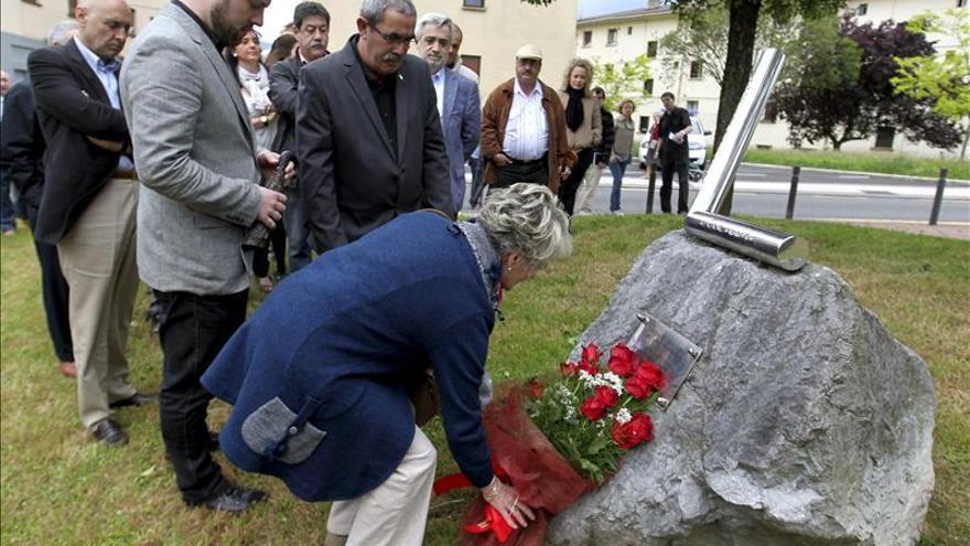 El PSE de Andoain recuerda a López de Lacalle, asesinado hace 13 años por ETA