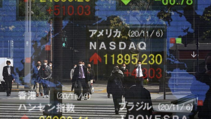 El Nikkei sube un 0,05 % y sigue en niveles de hace tres décadas
