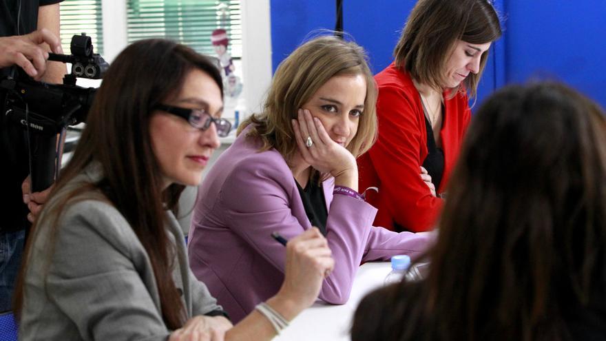 Sol Sánchez, Tania Sánchez y Sofía Miranda durante el debate a seis / Foto: Marta Jara