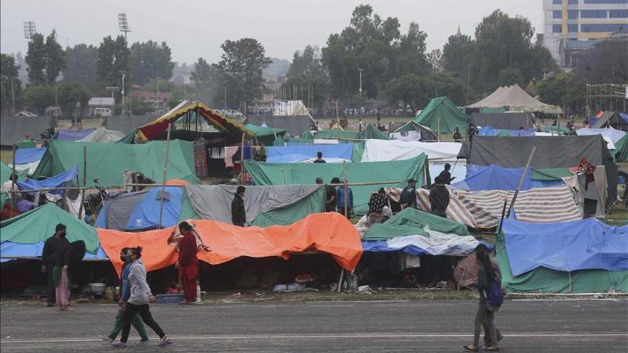 """Un alto cargo de la ONU dice que es """"desgarrador"""" el efecto del seísmo en Nepal"""