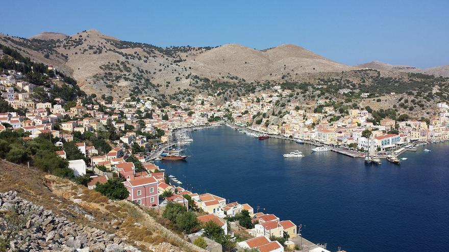 Durante siglos, el puerto de Symi fue considerado como uno de los más seguros de todo el Mediterráneo Oriental. Aquí se desarrolló una fecunda industria naval. Luigi Rosa