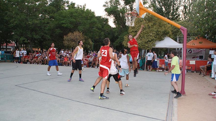 Canchas del baloncesto del Parque Elena Moyano 'Madre Coraje'.