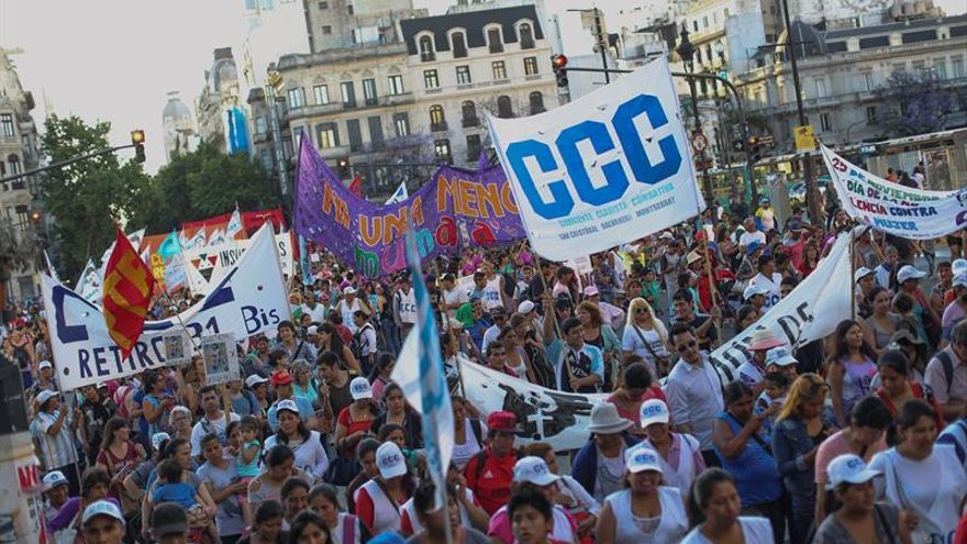Argentina reclama acabar con la violencia machista a golpe de tambor