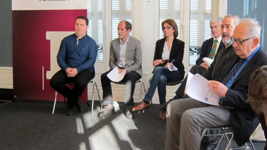 El Foro Social de Lokarri y Bake Bidea promueve una comisión de ocho personas para impulsar el proceso de paz
