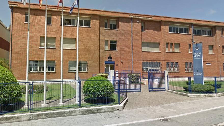 Exterior de la sede de la Policía Local de Santander.