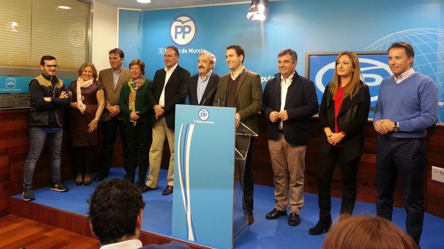 El PP murciano celebra sus cinco escaños e insiste en que debe gobernar la lista más votada