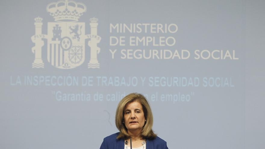 """Fátima Báñez advierte de que """"la estabilidad política crea empleo"""""""