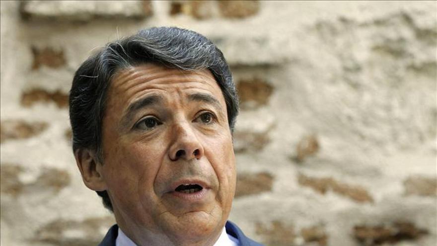 Ignacio González dice todo el PP defiende bajar impuestos, incluido Rajoy y Montoro