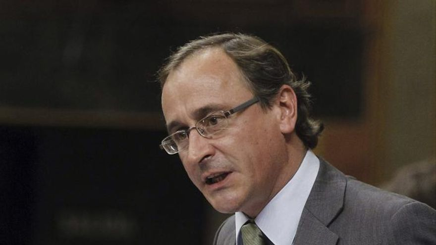 """El PP rechaza el debate territorial que pide el PSOE porque """"divide"""""""