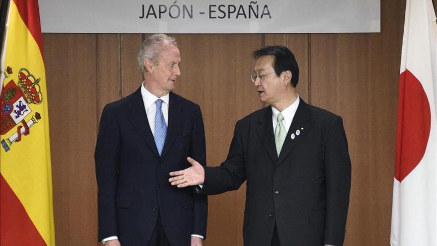 Morenés destaca el interés de Japón por la eficacia operativa de las FFAA