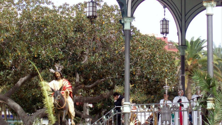 Procesión de La Burrita en Las Palmas de Gran Canaria (EFE).