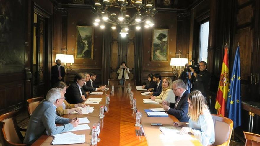 Reunión entre la Generalitat y el Gobierno para coordinar el Plan Estatal de Vivienda 2018-2021 en la delegación del Gobierno en Catalunya.