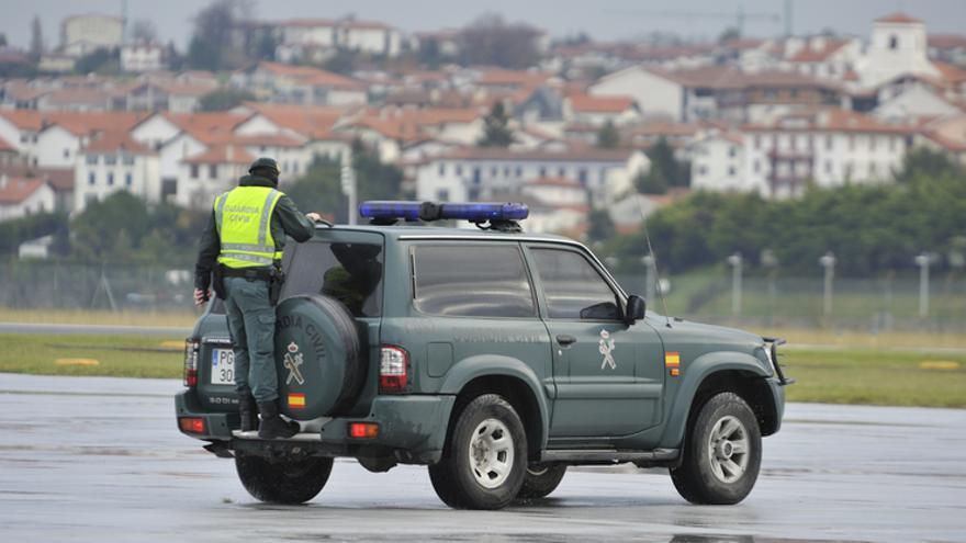 Guardia Civil en el aeropuerto de Hondarribia