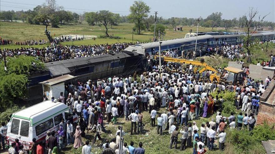 Al menos 20 muertos y 100 heridos en un accidente de tren en la India