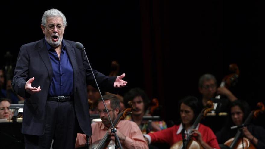 """Plácido Domingo asegura estar """"totalmente restablecido"""" y listo para el 2016"""