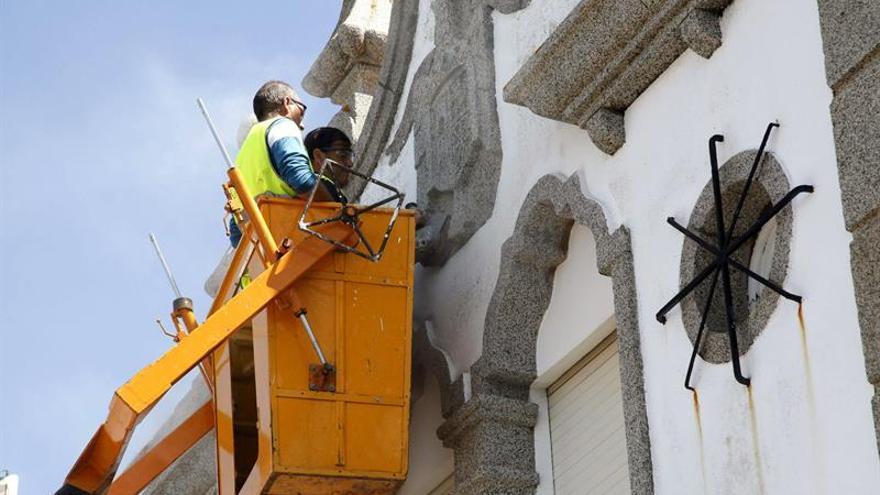 Justicia pide a 656 ayuntamientos retirar vestigios franquistas de sus calles
