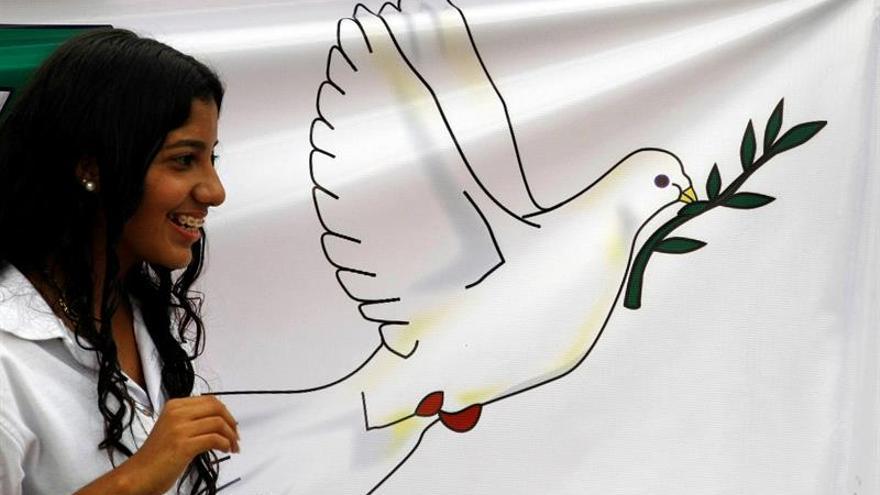 Pequeños grupos se concentran en Colombia en el inicio de jornada por la paz