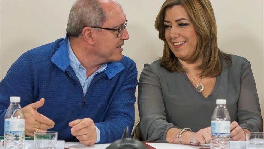 PSOE andaluz: Gestora garantiza neutralidad y cada uno es libre en sus apoyos