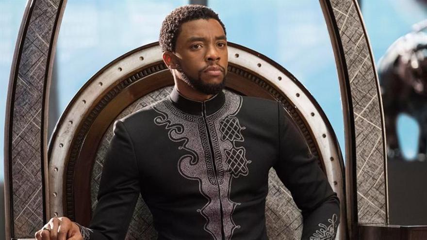 Chadwick Boseman, en la película Black Panther.
