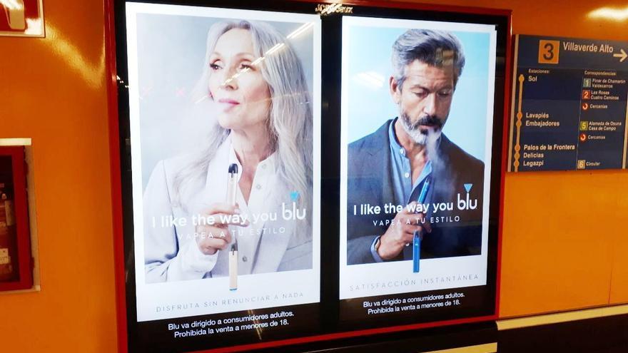 La publicidad de los vapeadores en el Metro de Madrid.