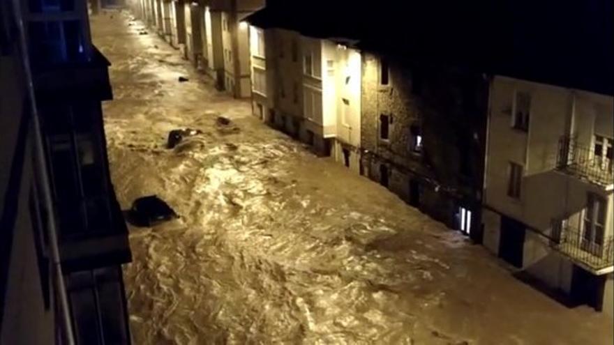 Inundaciones en Reinosa por el desbordamiento del río Ebro e Híjar.