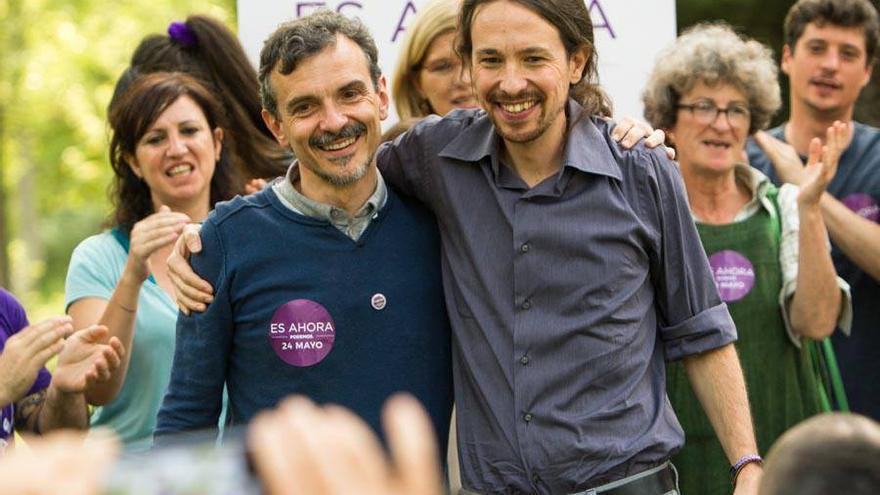 Pablo Iglesias y el candidato de Podemos por la Comunidad de Madrid, José Manuel López, este 2 de mayo en la Casa de Campo de Madrid