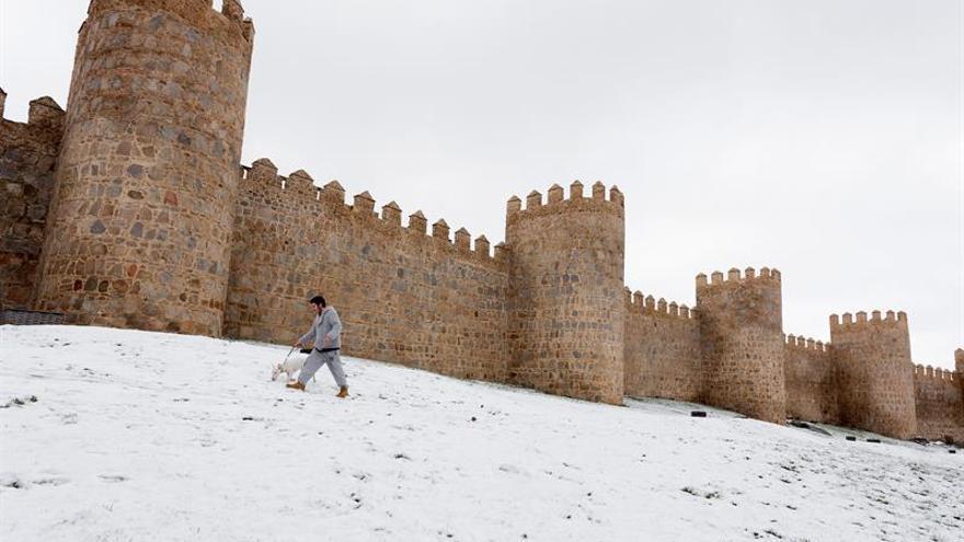 El frío y la nieve remiten aunque 12 comunidades continúan en alerta