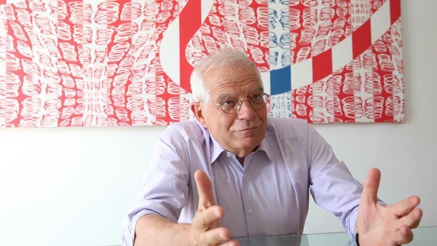 El exministro Josep Borrell durante la entrevista en eldiario.es.