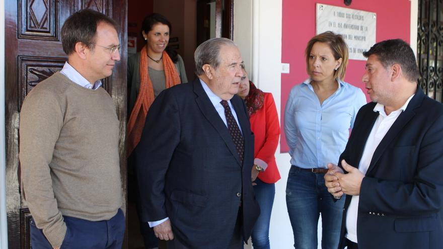 Jerónimo Saavedra mantuvo un encuentro con el grupo de Gobierno.