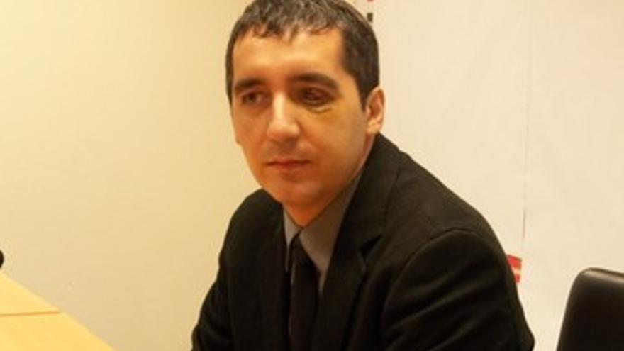 Reaparición pública de Pedro Alberto Cruz tras su agresión