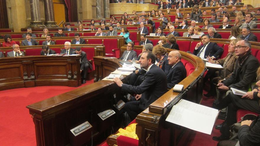 CiU y ERC aprueban los Presupuestos 2015 con el rechazo del resto de grupos y 1 abstención