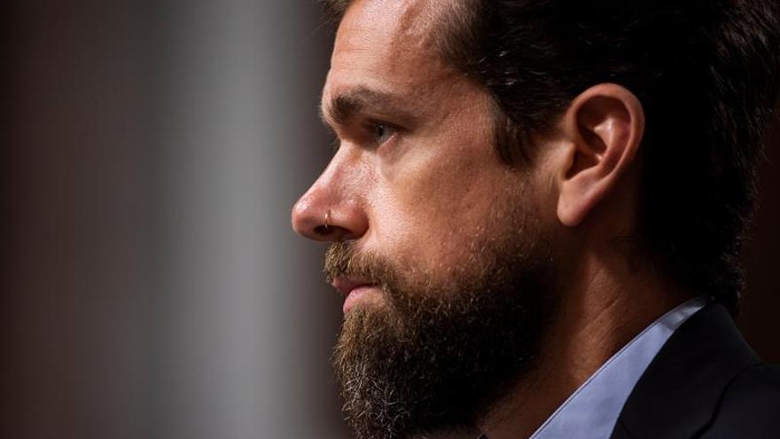 Twitter y Facebook defienden sus esfuerzos para evitar la injerencia en los comicios
